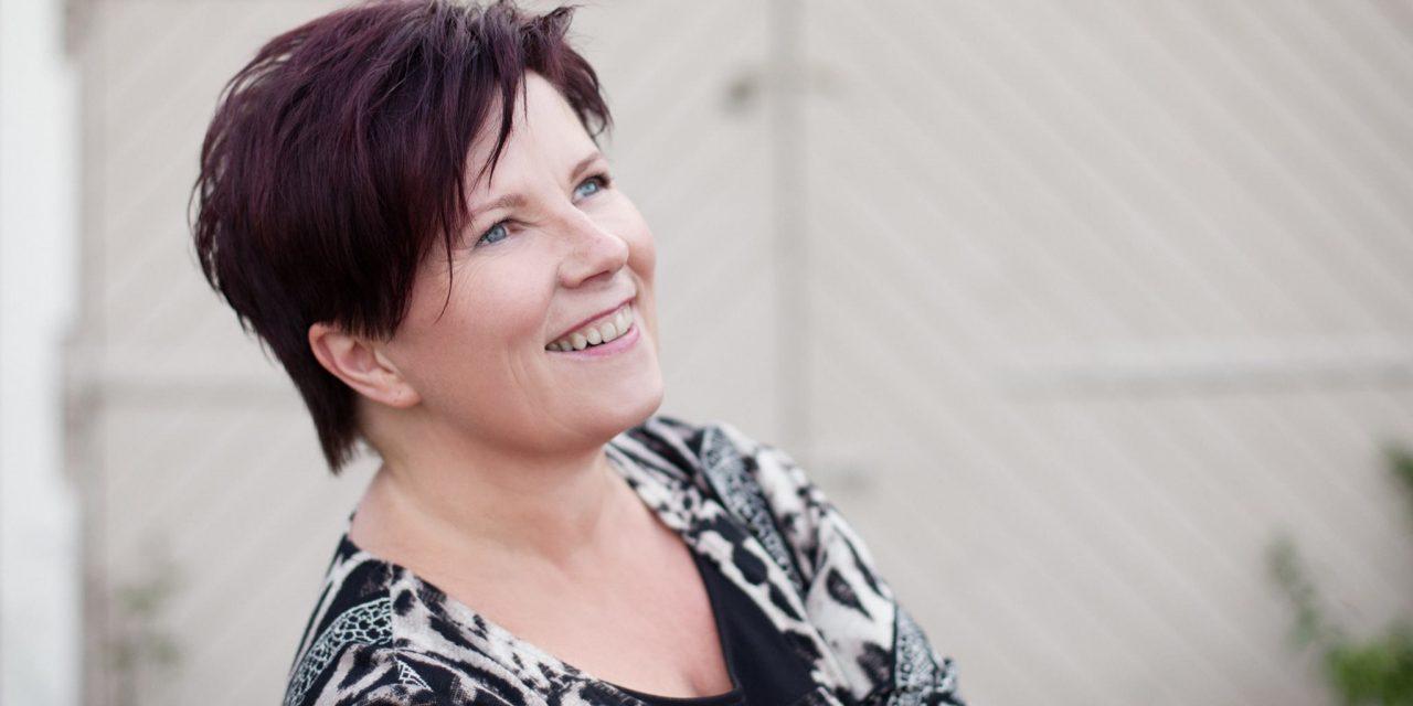 Eva Haapala eli pitkään miellyttääkseen toisia – nyt hän rohkaisee muita tekemään omannäköisiä valintoja