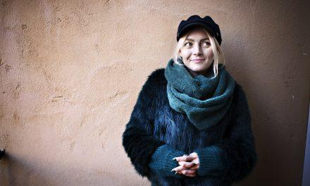 Yksinäisten ääni – Jenni Rotonen tuo esiin, että paha olo voi piillä kiiltävänkin pinnan alla