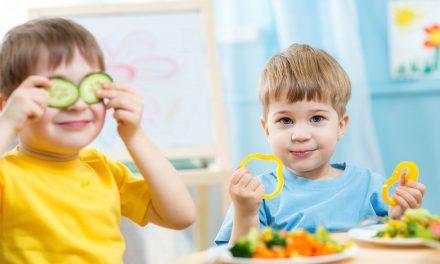 Ruokailun iloa lapsille – uudessa ruokasuosituksessa nostetaan esiin myös henkinen hyvinvointi