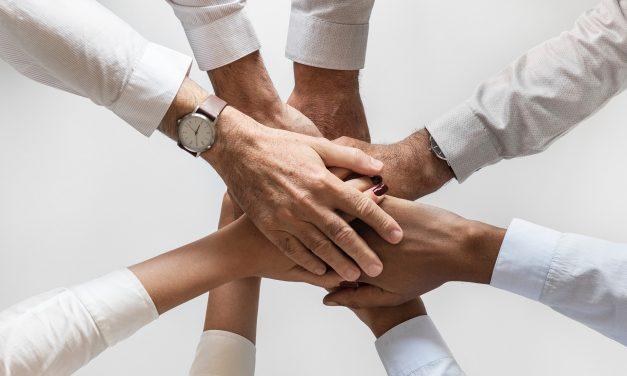Kokousaikataulut, perhepuhelut, joustot – perheystävällisyys näkyy töissä pienissä teoissa